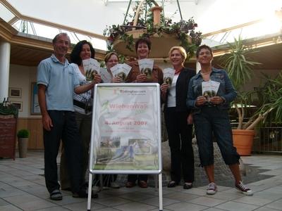 v.l.: Raimund Sattler, Elisabeth Kemena, Nadine Ledebrink, Sabine Holtmeyer, Rosemarie Abke, Angelika Lenz