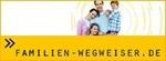 Titelgrafik der Homepage www.familien-wegweiser.de. Bild-Collage mit einer lachenden Familie, dem Text Familienwegweiser und einer Hand eines Kleinkindes, die eine erwachsene Hand festhält.
